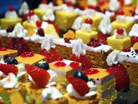 Cakes-cream-delicious-confectionery-47734-medium