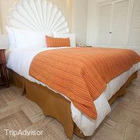 One-bedroom-suite-2908--v1499933-